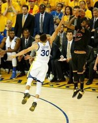 NBA - Cleveland duwt Golden State in extremis kopje-onder