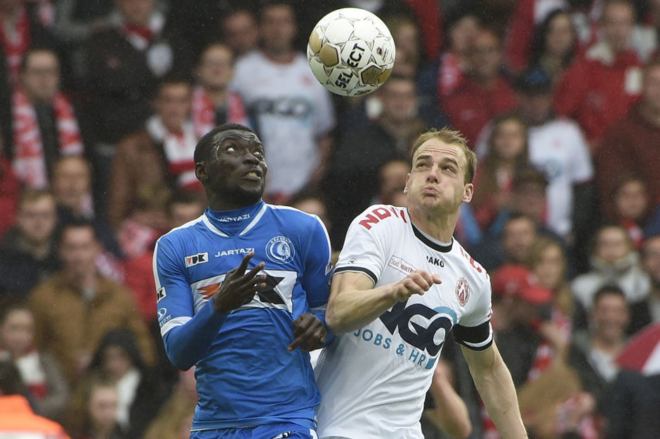 AA Gent pakt leiding in play-off 1