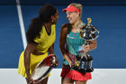 Angelique Kerber klopt Serena Williams in finale Australian Open