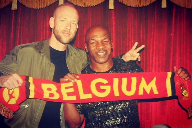 Mike Tyson supportert voor de Rode Duivels